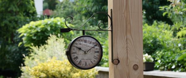 Nástěnné oboustranné hodiny