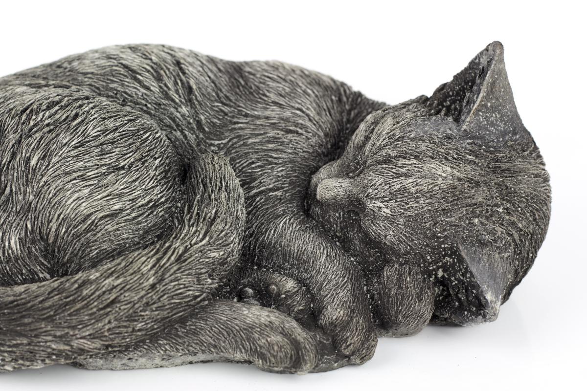 betonová zahradní socha kočka