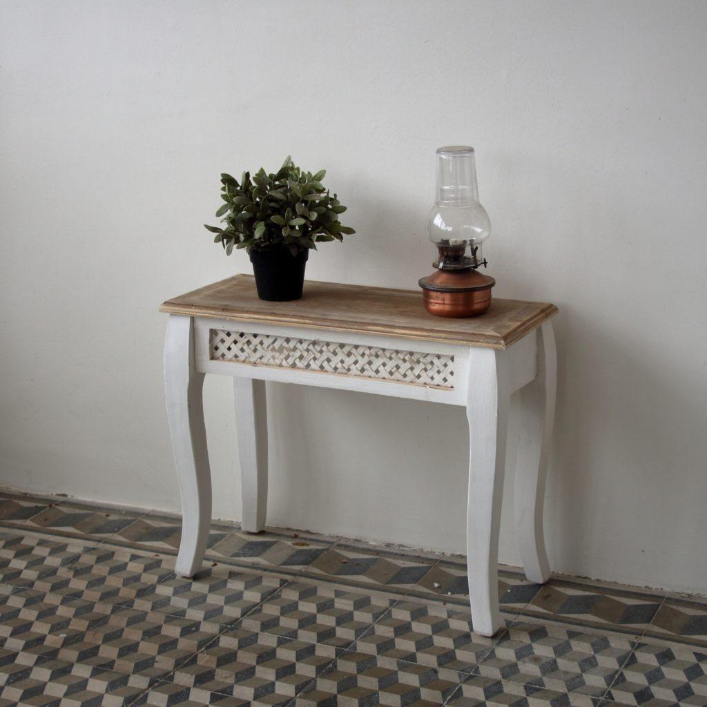 Malý odkládací stolek