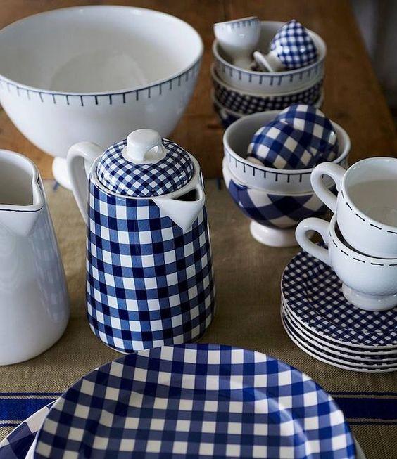 keramika s kostkovaným vzorem