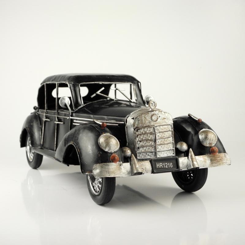 Kovový model automobilu
