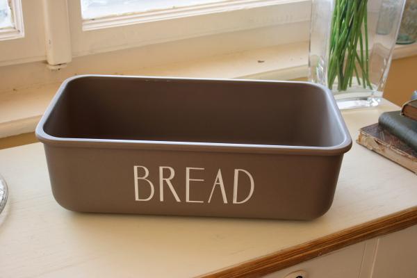 dřevěný chlebník