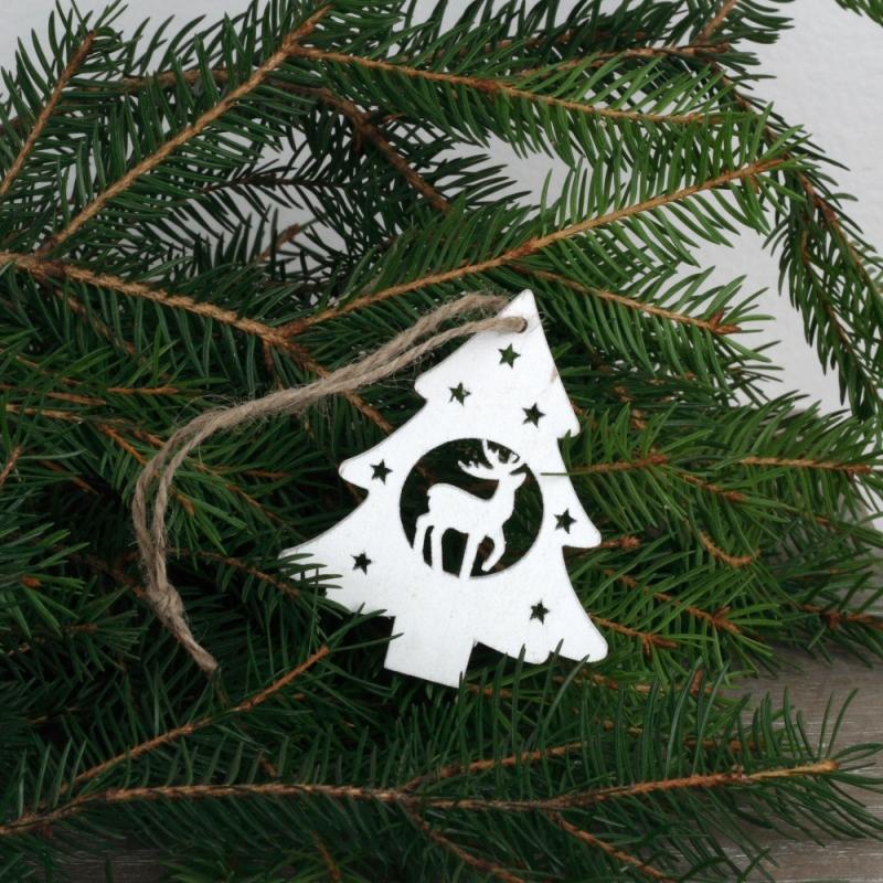 Dřevěná vánoční ozdoba strom se sobem bílý 7cm (set 6ks)
