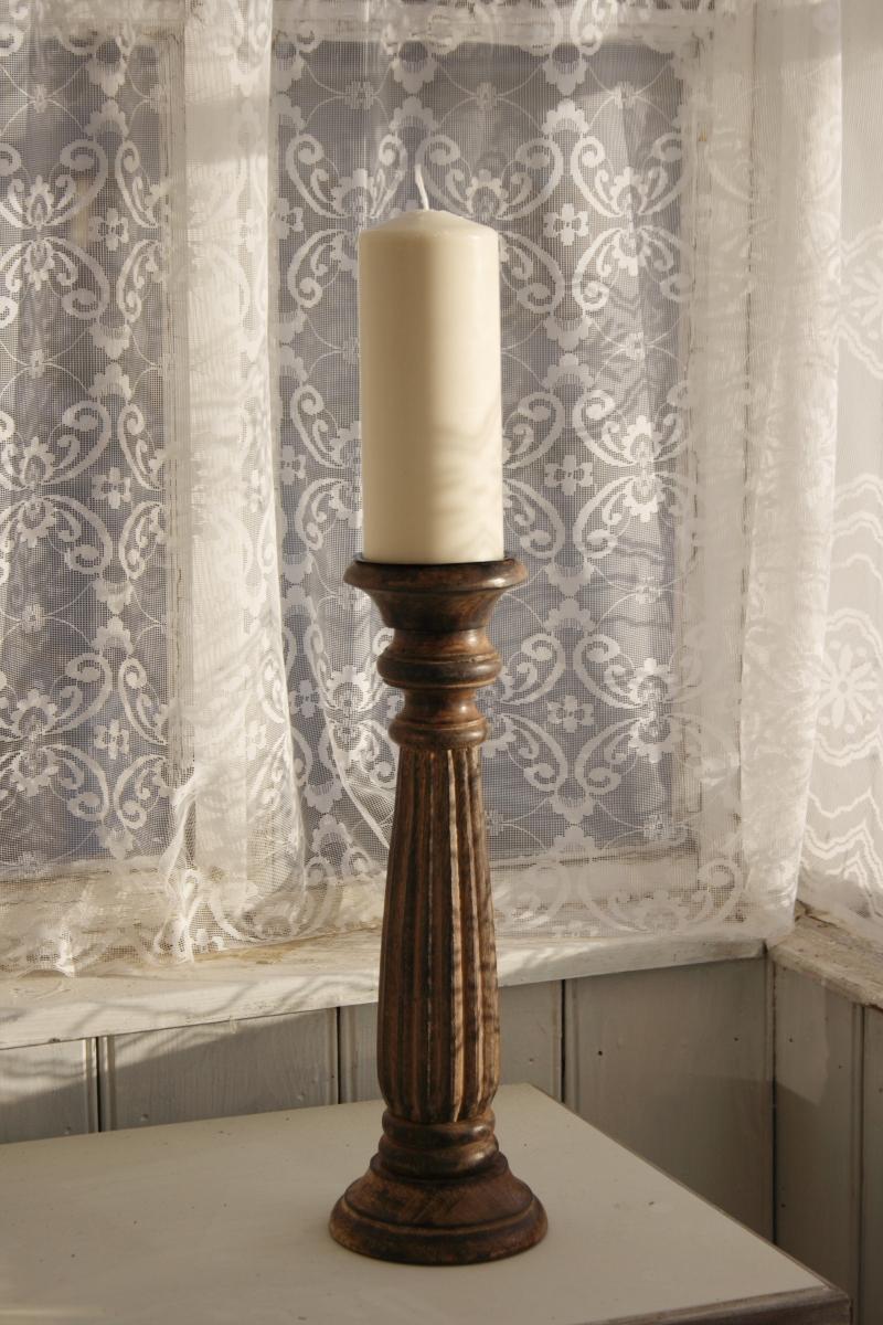 dreveny-rucne-vyrezavany-svicen-38cm-three