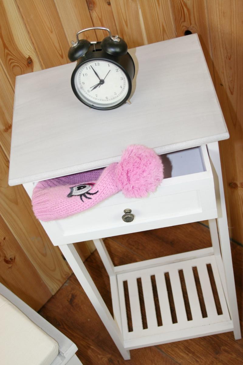 dreveny-stolek-na-kvetiny-35-x-27-x-79cm-three