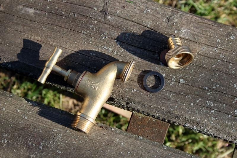 venkovní vodovodní kohoutek