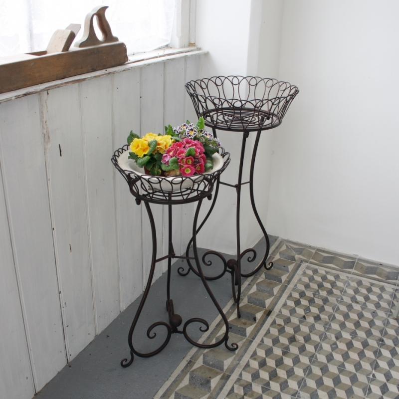 kovovy-stolek-na-kvetiny-2ks
