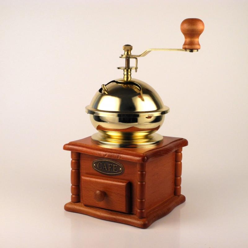 kávomlýnek dřevěný