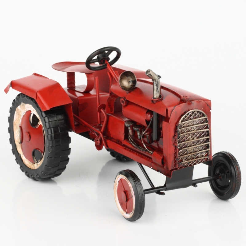 Červený model traktoru