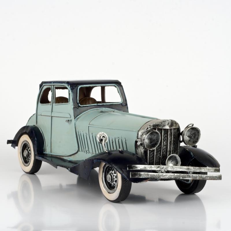 retro model
