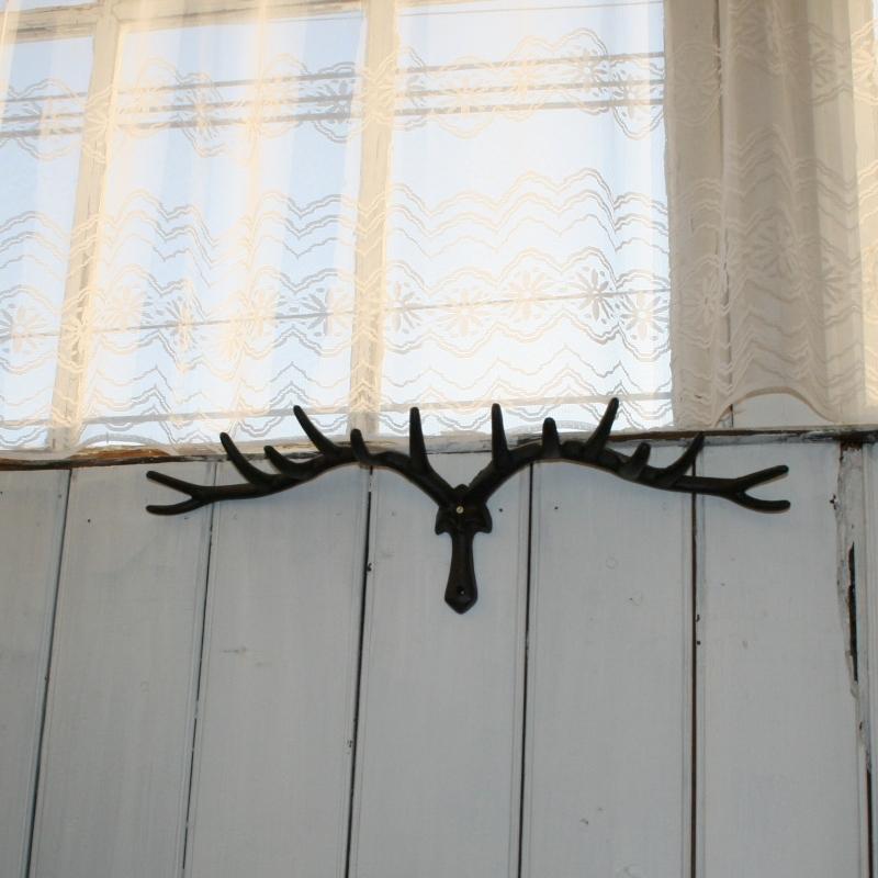 Věšák na zeď