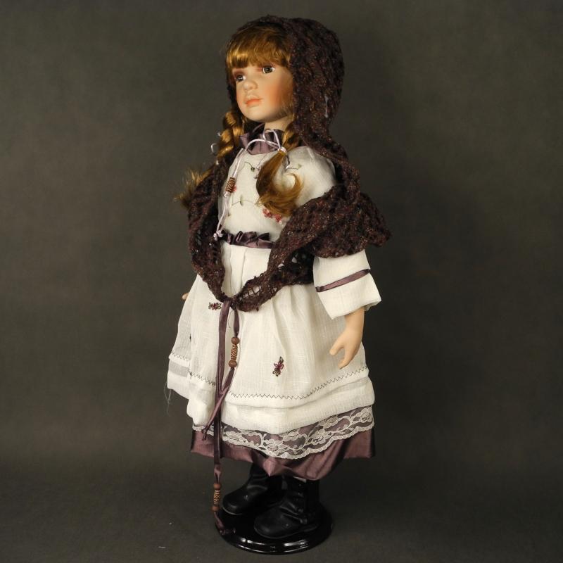 Porcelánová bábika s certifikátom