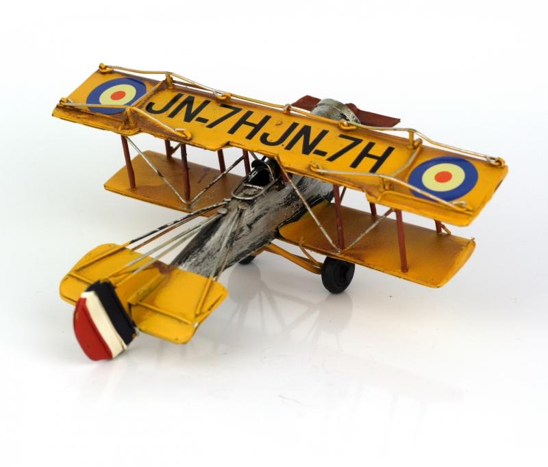 Retro model žluté letadlo