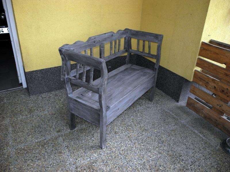 Zahradní lavice s úložným prostorem