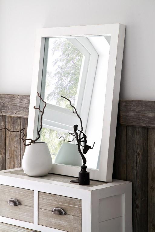 bílé zrcadlo